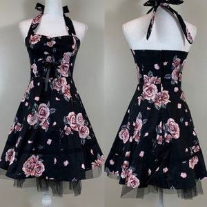 Hot Topic Sweetheart Halter Dusty Rose Dress